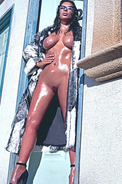 голый фото ким кардашьян